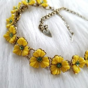 Vintage yellow flowers necklace green gems gold